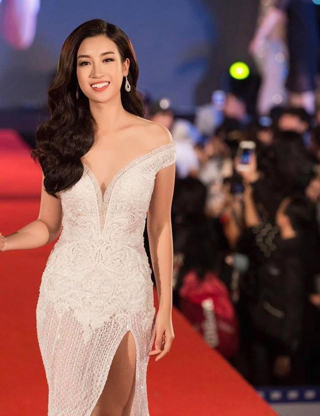 Hoa hậu Đỗ Mỹ Linh khoe đường cong vạn người mê.