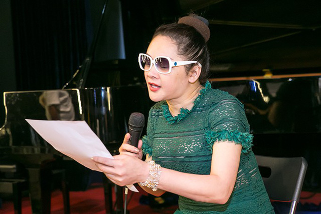 Sau buổi họp báo chiều 23/1, Như Quỳnh lao vào tập luyện cho liveshow riêng diễn ra tại Hà Nội. Mặc dù chưa quen với sự chênh lệch múi giờ, thời tiết sau khi về nước nhưng nữ ca sĩ luôn thể hiện sự sung sức, hứng khởi trong các buổi tập.