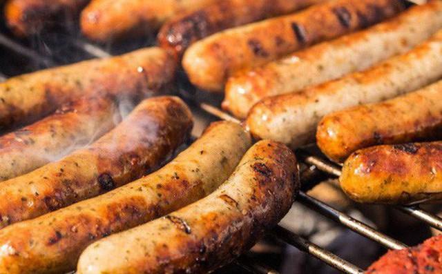 Thực phẩm chứa nhiều cholesterol cực kỳ nguy hại với bệnh nhân ung thư đại tràng - ảnh: INDEPENDENT