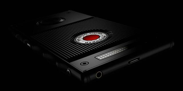 Hydrogen One sẽ ra mắt sản phẩm thứ hai của mình với camera chuyên nghiệp và màn hình hỗ trợ nội dung Hologram. Ảnh: RED.