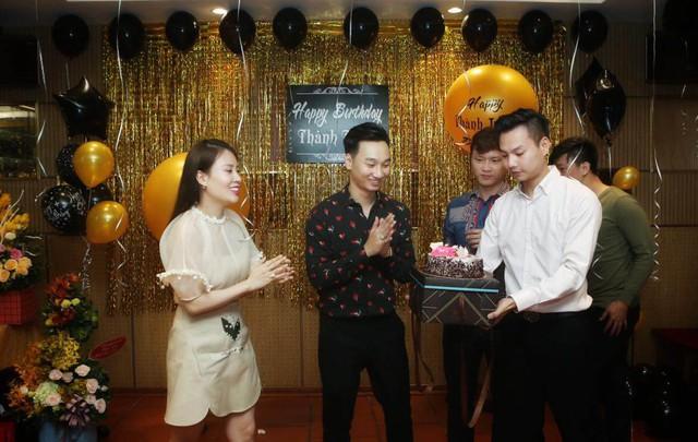 Sau gần 1 năm ngày cưới, vợ MC Thành Trung vẫn dành những lời vô cùng ngọt ngào cho ông xã.
