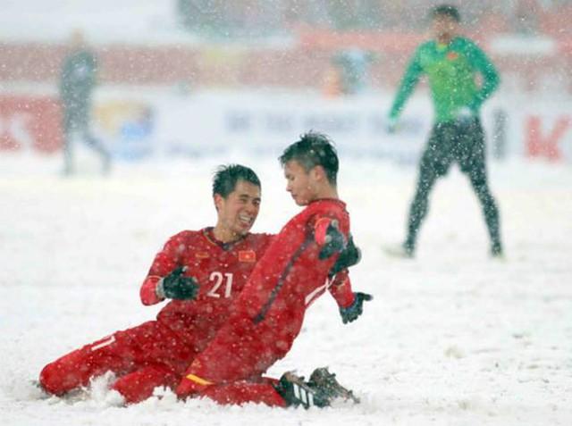 Hà Nội đề xuất khen thưởng Quang Hải và 5 cầu thủ