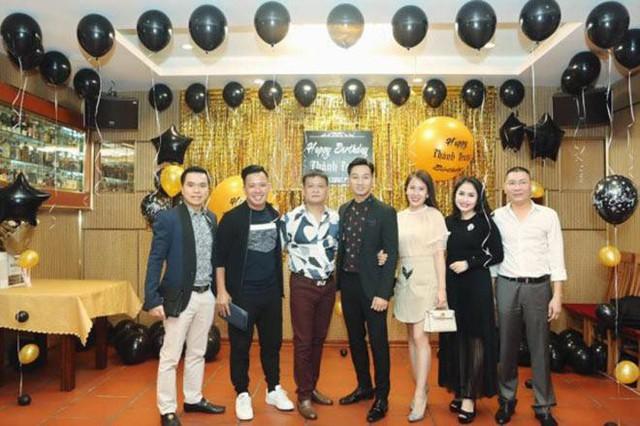 Đông đảo bạn bè, người thân đến chúc mừng sinh nhật MC Thành Trung.
