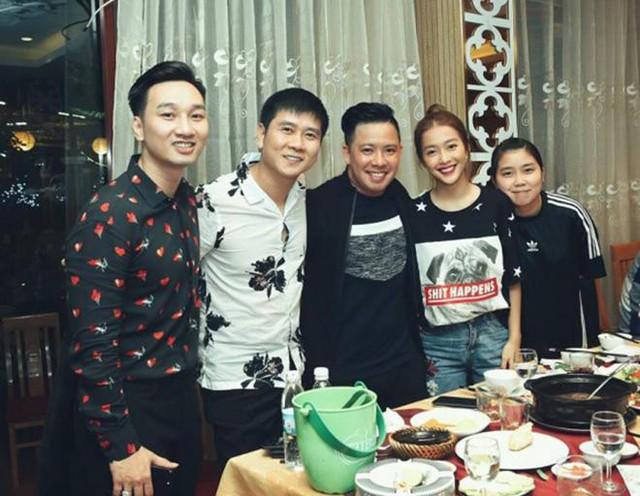 Nhạc sĩ Hồ Hoài Anh và Khả Ngân cũng có mặt tại tiệc sinh nhật Thành Trung.