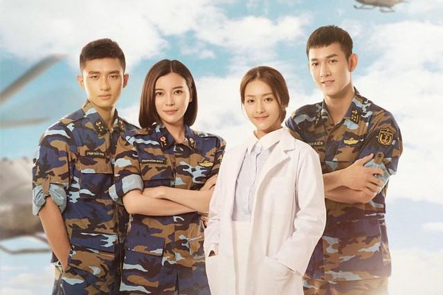 """Bốn diễn viên chính của phim """"Hậu duệ nặt trời"""" phiên bản Việt. Ảnh: TL"""