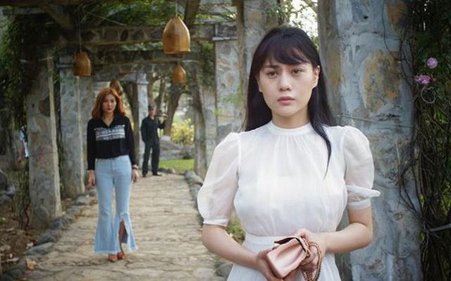 Sau thành công của vai diễn Quỳnh búp bê, nữ diễn viên Phương Oanh hiện đang là cái tên hot nhất trên các phương tiện truyền thông.