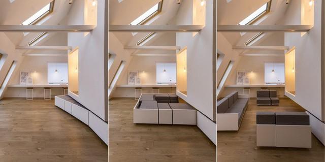 Dưới cái hộp đó là các những bộ bàn ghế, sofa có thể kéo ra kéo vào. Bằng cách kéo ra cất vào những món đồ nội thất này, bạn có thể tạo ra các không gian chức năng khác nhau trong phòng.