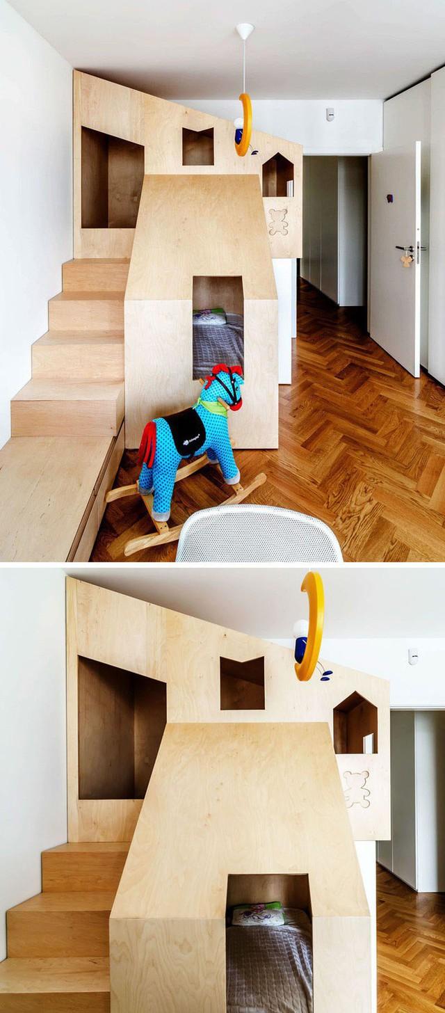 Chỉ mất một không gian góc nhà mà bạn đã có thể tạo được cho con cả giường ngủ và không gian vui chơi thú vị.