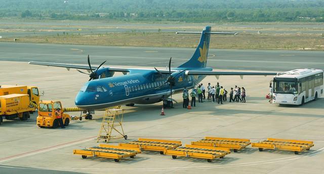 Đường bay ngắn, máy bay nhỏ, giá cao đang khiến hành khách phải chịu thiệt thòi. Ảnh: TL