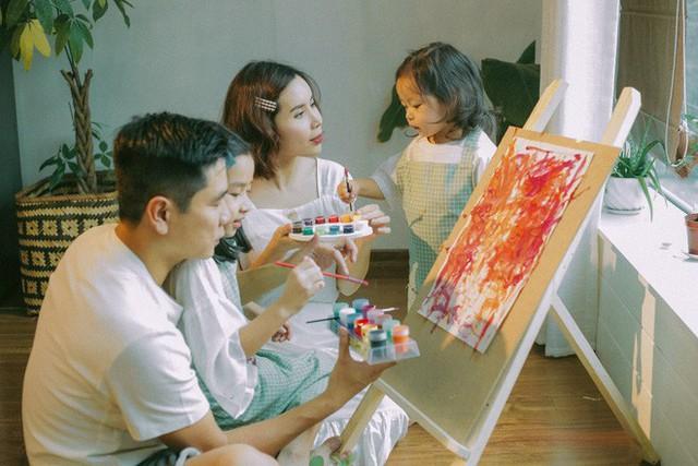 Bộ ảnh đầu tiên cả gia đình Hồ Hoài Anh – Lưu Hương Giang đủ 4 thành viên bên nhau.