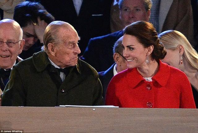 Mối quan hệ khăng khít của Công nương Kate với Hoàng tế Phillip chắc sẽ khiến bà Camilla ghen tị lắm.