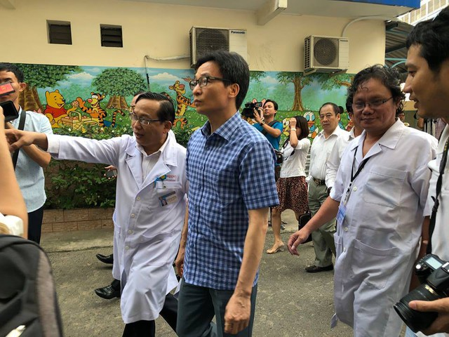Phó Thủ tướng Chính phủ Vũ Đức Đam đã có buổi làm việc với lãnh đạo Bệnh viện Nhi đồng 1 TP.HCM về công tác phòng, chống dịch bệnh trong cộng đồng.