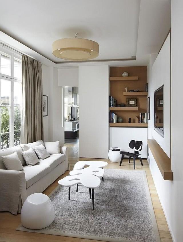 Phòng khách sẽ rộng rãi với tone màu sáng tạo không gian thoáng và rộng rãi hơn.