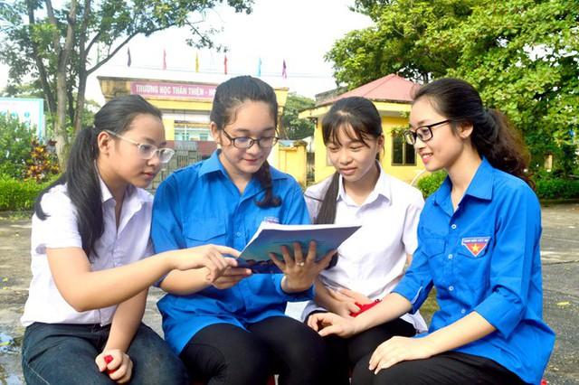 Tuổi trẻ phường Minh Xuân (TP Tuyên Quang) tìm hiểu kiến thức về giảm kỳ thị với người nhiễm HIV/AIDS.