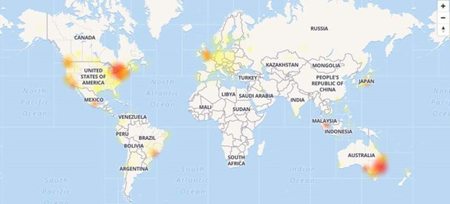 Bản đồ mất kết nối YouTube trên toàn cầu sáng 17/10 giờ Việt Nam (chấm đỏ hoặc vàng là những khu vực mất kết nối được người dùng báo cáo qua trang Downdetector).