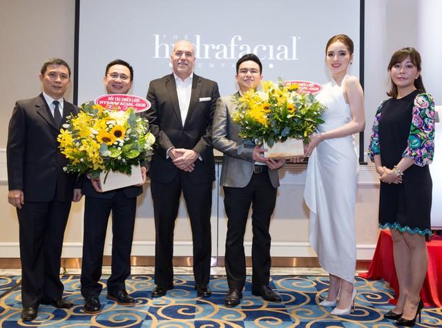 Hoa hậu Kỳ Duyên đồng hành cùng Bệnh Viện thẩm mỹ Việt Mỹ trở thành đối tác chiến lược của HydraFacial