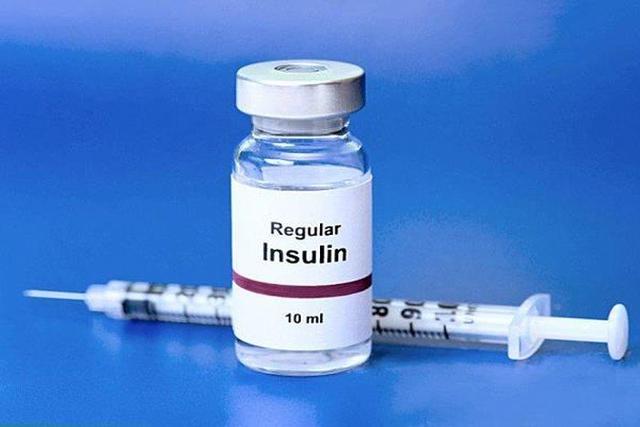 Tiểu Trần được bơm insulin và phẫu thuật để lấy lại thị lực