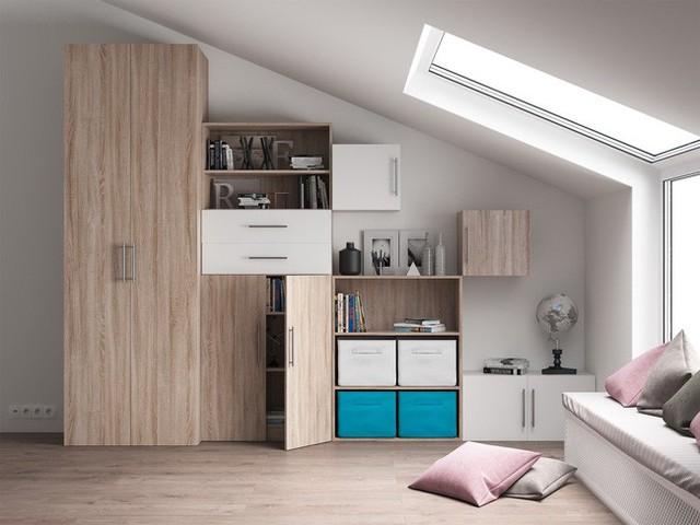 Một phòng ngủ tối được hưởng lợi từ một trần nhà và tường ngăn kéo dài.