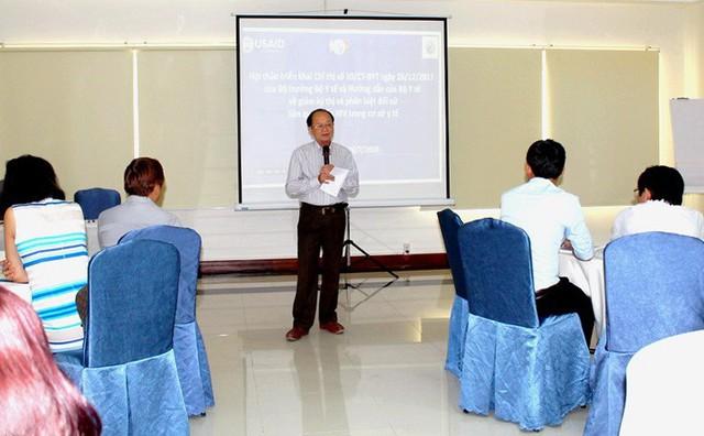 Ông Nguyễn Văn Cường, Phó Giám đốc Sở Y tế Tây Ninh tại hội thảo.