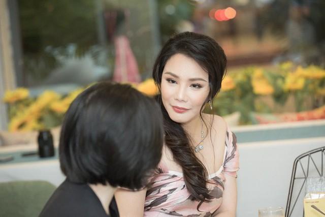 Hồ Quỳnh Hương tiết lộ cô đang là cô giáo dạy nhạc ở Nhạc viện TP.HCM.
