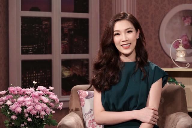 Theo Phí Thùy Linh, một người phụ nữ khôn ngoan là người biết tự chủ trong cuộc sống, tình cảm.