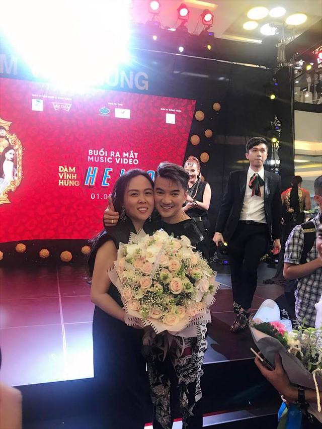 Tình chị em hơn 10 năm giữa Mr. Đàm và Phượng Chanel, hay mối quan hệ gắn bó của Thanh Lam với Phượng được chú ý nhất.