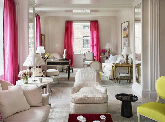 Đặc biệt, với những bộ rèm cửa có chiều dài từ trần nhà chạm đến sàn có tác dụng tích cực đến việc ảo giác về chiều cao thực tế của căn phòng.