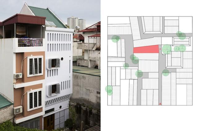 Ngôi nhà (màu trắng) ở quận Thanh Xuân, Hà Nội, nằm trên khu đất có diện tích 41 m2, trong đó mặt tiền rộng 4 m và phần đằng sau nhỏ dần rộng chỉ 2,6 m. Nhà nằm trong ngõ nhỏ, đông dân cư, đường giao thông hẹp với kích thước khoảng 1,3 - 1,5 m vốn chỉ đủ cho xe máy đi lại.