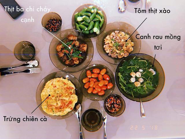 Vừa xinh đẹp, nổi tiếng, Lan Khuê nấu cơm ngon thế này thì người đàn ông nào có thể chối từ đây!