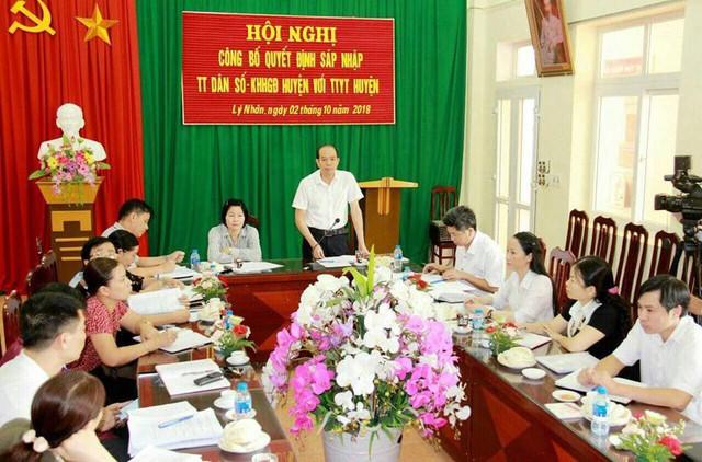 Hội nghị bàn giao tại huyện Lý Nhân, Hà Nam. Ảnh: Lan Hương