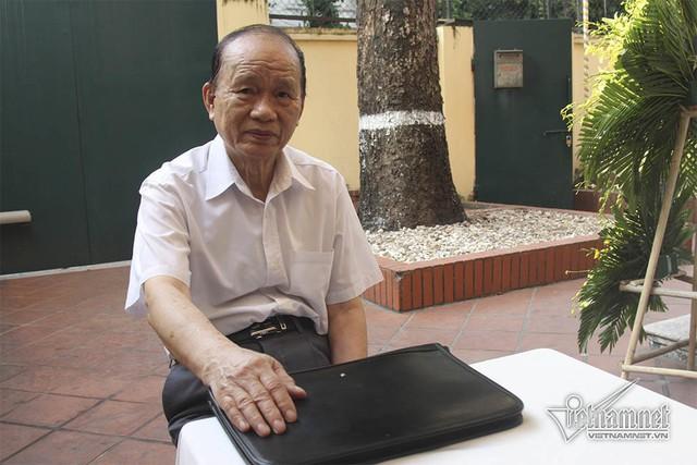 Ông Phan Trọng Kính, người Trợ lý gắn bó với nguyên Tổng bí thư Đỗ Mười từ năm 1972 túc trực ở đây nhiều ngày nay