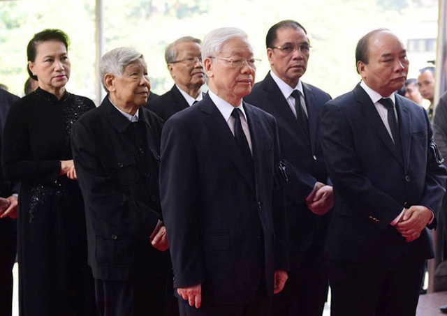Tổng bí thư Nguyễn Phú Trọng, Thủ tướng Nguyễn Xuân Phúc dẫn đầu đoàn lãnh đạo Đảng, Nhà nước vào viếng nguyên Tổng bí thư Đỗ Mười trong ngày hôm qua (6/10)