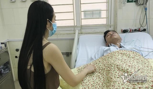 Tuấn Hưng nhập viện sau khi liveshow bị đột ngột huỷ