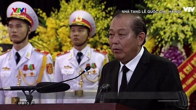 Phó Thủ tướng Thường trực Trương Hòa Bình - Trưởng Ban tổ chức Lễ tang phát biểu mở đầu Lễ Truy điệu nguyên Tổng Bí thư Đỗ Mười.
