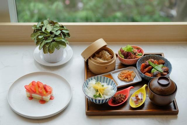 Miyama - Modern Tokyo Restaurant Café cung cấp những phần ăn trưa ngon, chất lượng với các phần Ni Set đặc trưng.