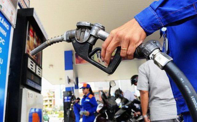 Giá xăng đang tăng mạnh.