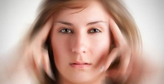 Các biểu hiện lâm sàng của tổn thương hệ thần kinh bao gồm như: rối loạn ý thức, liệt nửa người, mất ngôn ngữ thậm chí cả các triệu chứng tâm thần.