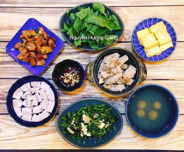 Chị Nguyễn Hương Giang (Hà Nội) vẫn có nhiều thời gian để vào bếp nấu ra rất nhiều món ngon cho cả nhà thưởng thức.
