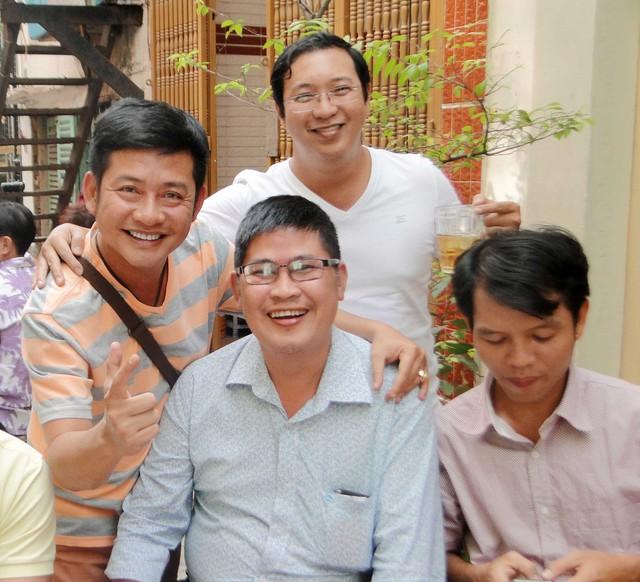 Phước Sang xuất hiện trong ngày giỗ của cha Tấn Beo.
