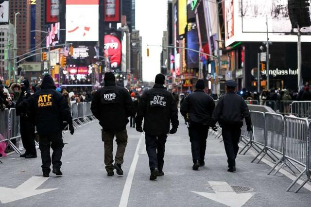 Interpol không hề có lực lượng cảnh sát đi bắt tội phạm khắp thế giới.