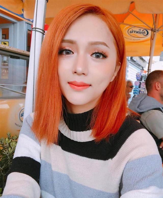 Hương Giang idol: Hương Giang từng nhuộm tóc màu cam vô cùng rực rỡ và chói chang, tông màu cam cũng là màu ưa thích của người đẹp khi trang điểm.