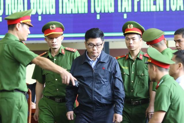 Bị cáo ông trùm đánh bạc Nguyễn Văn Dương. Ảnh: HC