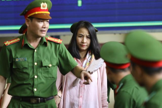 Bị cáo Lưu Thị Hồng- Tổng giám đốc Cty CNC. (ảnh: HC)