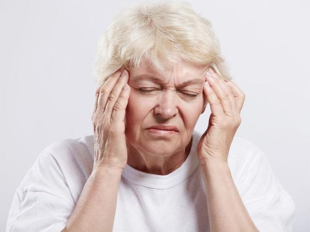 Các chuyên gia khuyến cáo, bệnh đột quỵ não có xu hướng gia tăng trong mùa lạnh. Ảnh minh họa