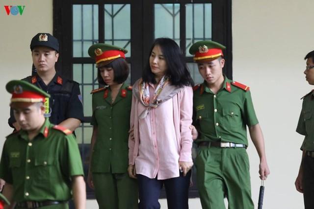 Bị cáo Lưu Thị Hồng tại phiên tòa ngày 12/11 vừa qua. Ảnh: VOV