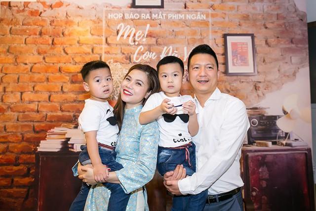 Sau khi lên xe hoa với chồng đại gia vào năm 2013, nữ ca sỹ Mỹ Dung biến mất khỏi làng nhạc để tập trung chăm sóc gia đình.