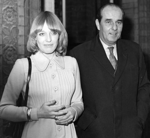 Bà Virginia Carrington (trái) và bố mình. Ảnh: Express.