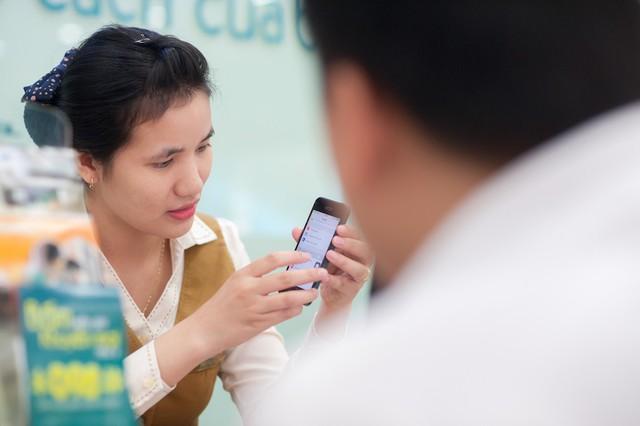 Để giữ liên lạc, khách hàng được khuyến cáo nên chuyển đổi số từ ứng dụng của nhà mạng.