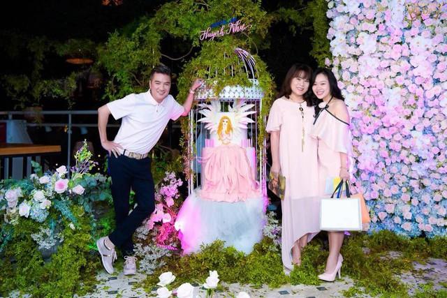 Dương Triệu Vũ và những người thân thiết với gia đình Mr Đàm đã có mặt trong buổi tiệc này.