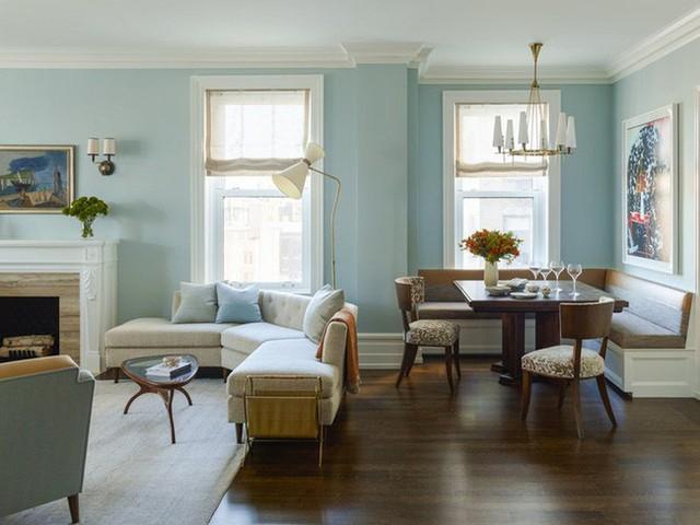 Ghế được dùng làm như ranh giới ngăn cách giữa không gian phòng khách và phòng ăn gia đình.